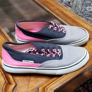 Airwalk size 4 sneakers